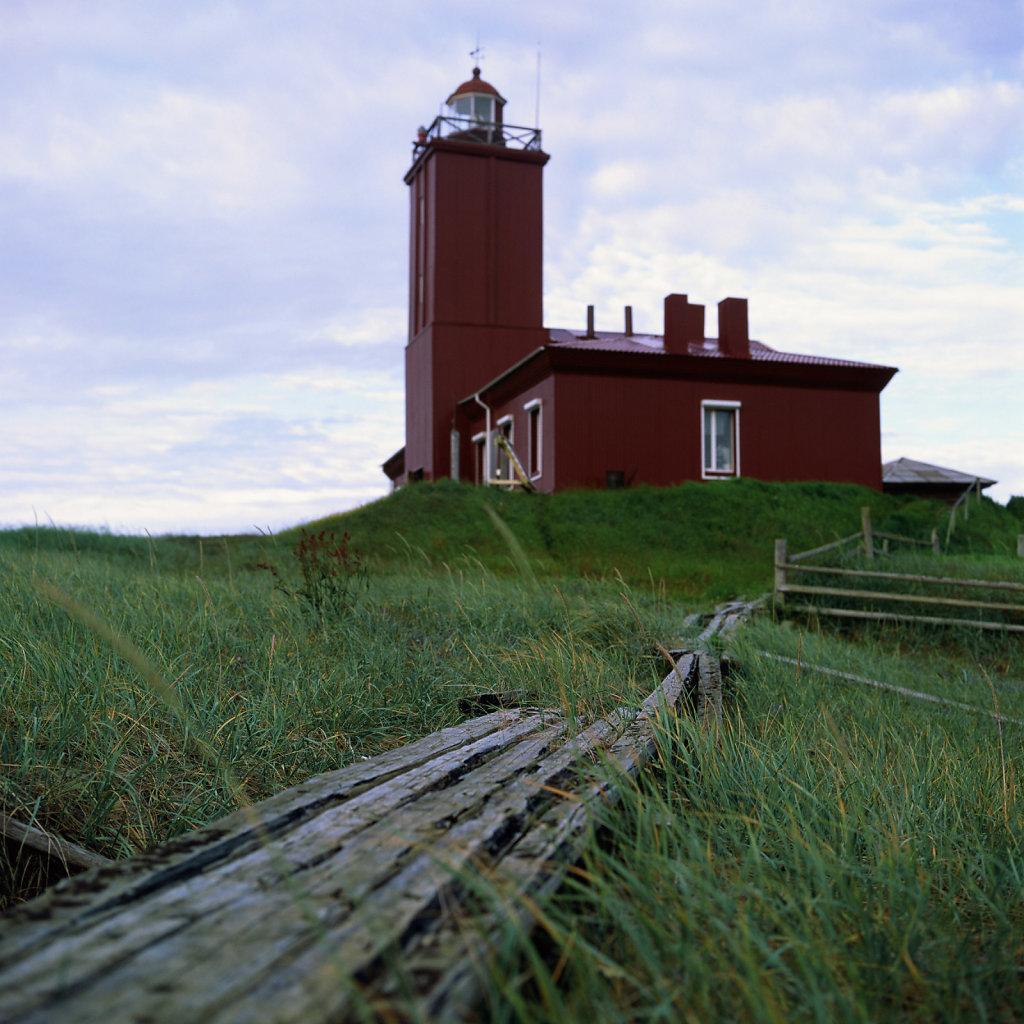 lighthouseguide-whitesea-intzy-01.jpg